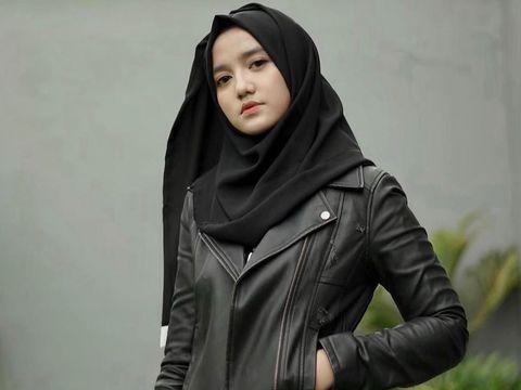 Bisnis Sukses, Wirda Mansur Beri Kado Rp200 Juta untuk Sang Ayah
