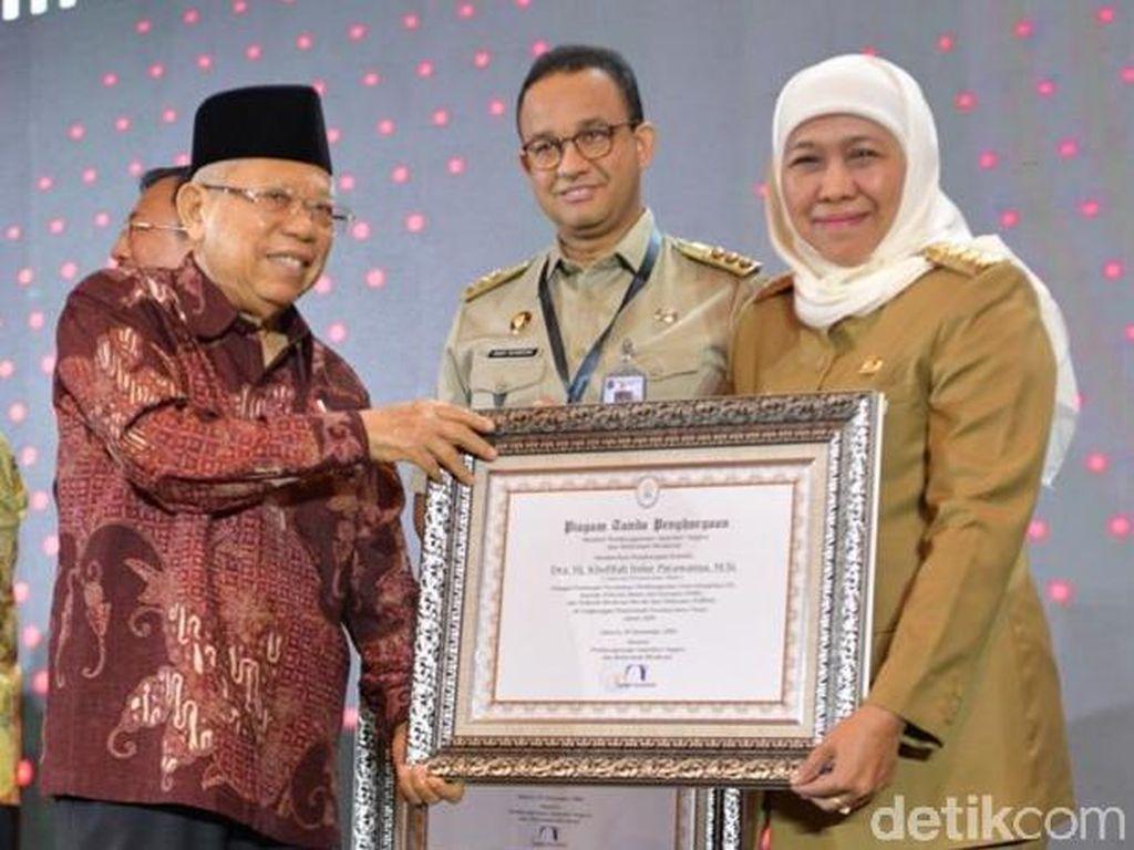 Gubernur Khofifah Sabet Anugerah Pemimpin Perubahan dari KemenPAN RB