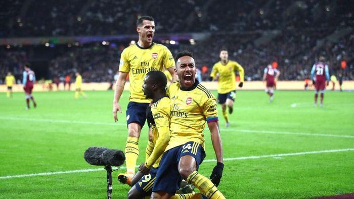 Arsenal menang 3-1 atas West Ham United (Foto: Julian Finney/Getty Images)