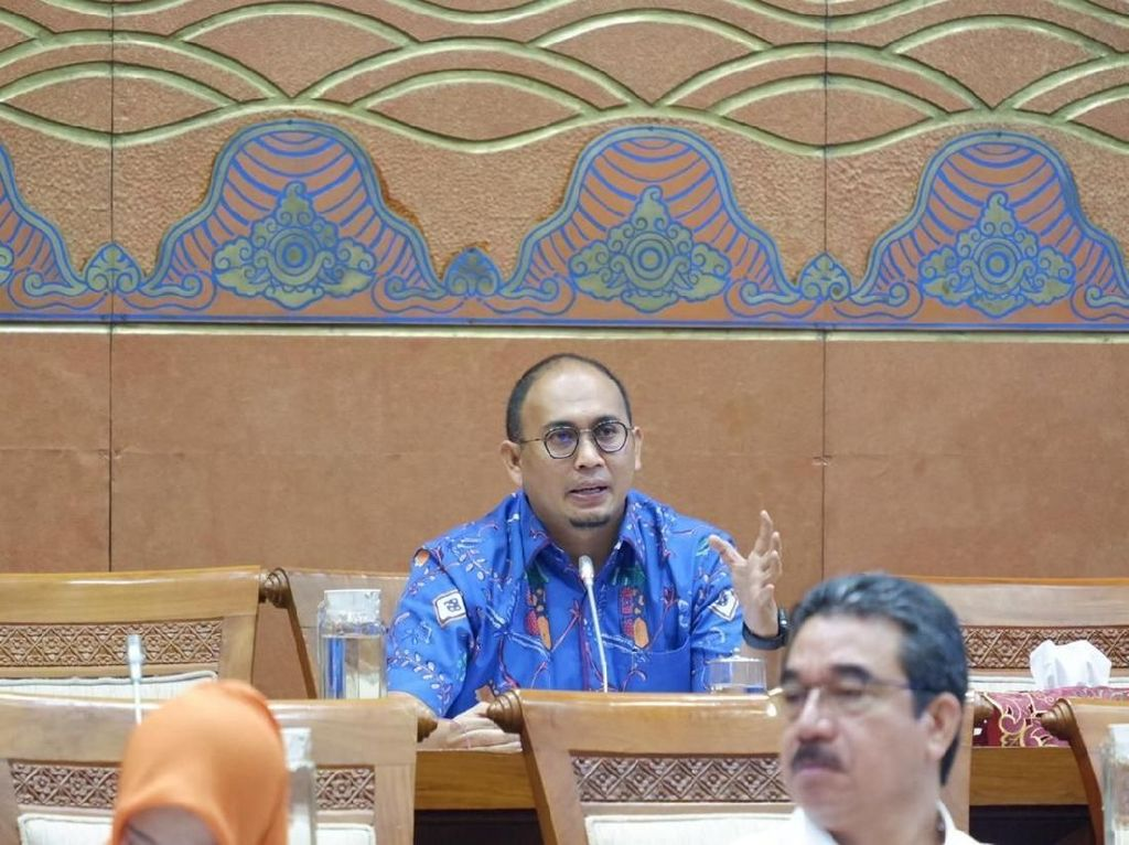 Andre Minta Andi Arief yang Bela Gubernur Irwan Telepon Ketua PD Sumbar