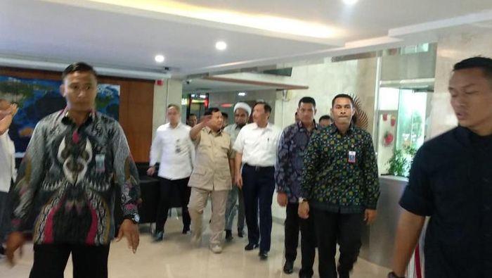 Foto: Prabowo dan Luhut makan siang bareng (Herdy Alif Al Hikam/detikcom)