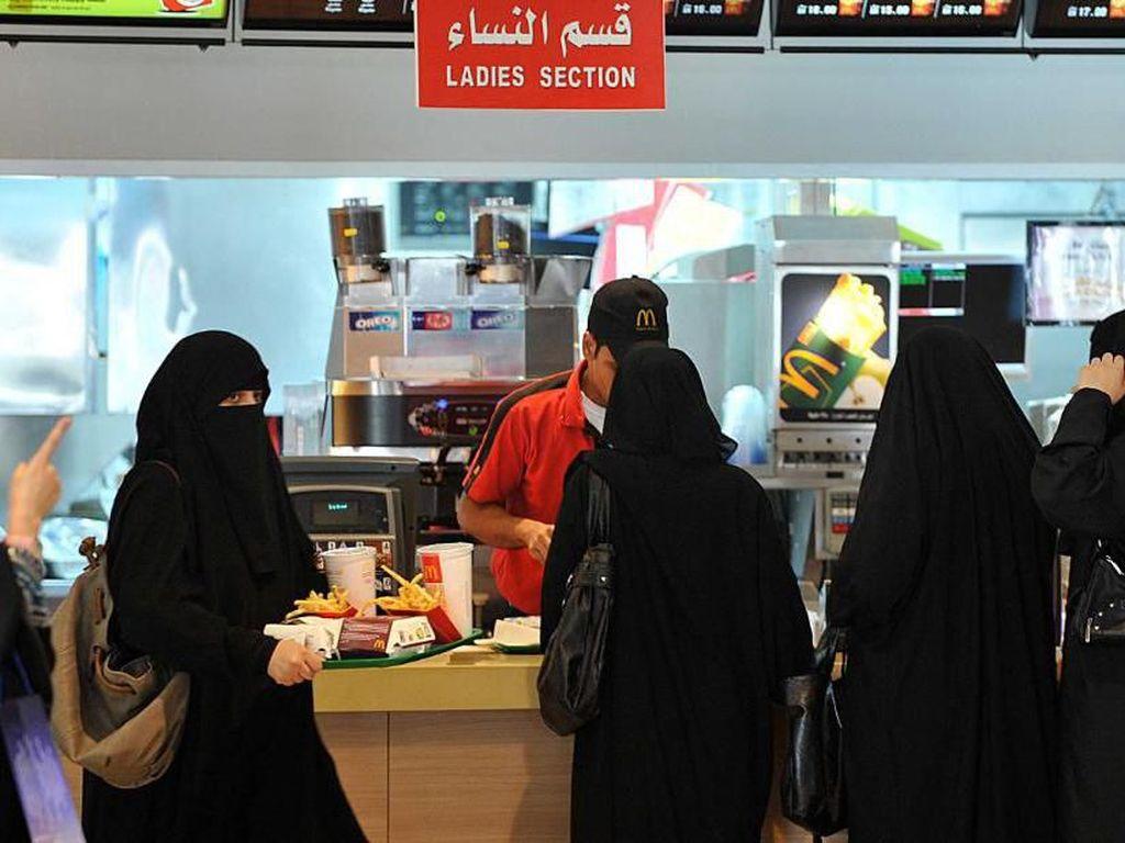 Masuk ke Restoran di Arab Saudi Tak Lagi Dipisahkan Jenis Kelamin