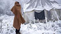Ratusan Imigran di Bosnia Terancam Tewas Membeku