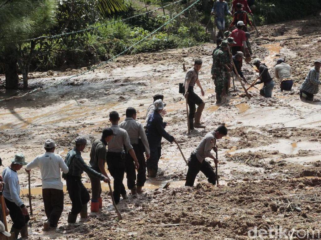 PVMBG Ungkap Faktor Penyebab Pergerakan Tanah dan Danau Lumpur di KBB