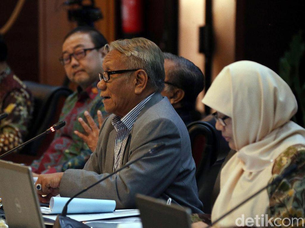 Calon Hakim Konstitusi Daniel Nilai MK Berhak Berfatwa Kegentingan Memaksa