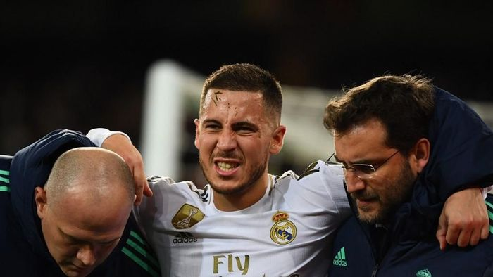 Eden Hazard diharapkan tak harus operasi engkel (GABRIEL BOUYS / AFP)