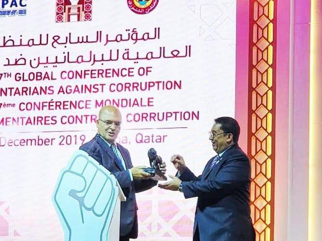 Tentang Lembaga Pemberi Champion of Corruption Awards untuk Fadli Zon