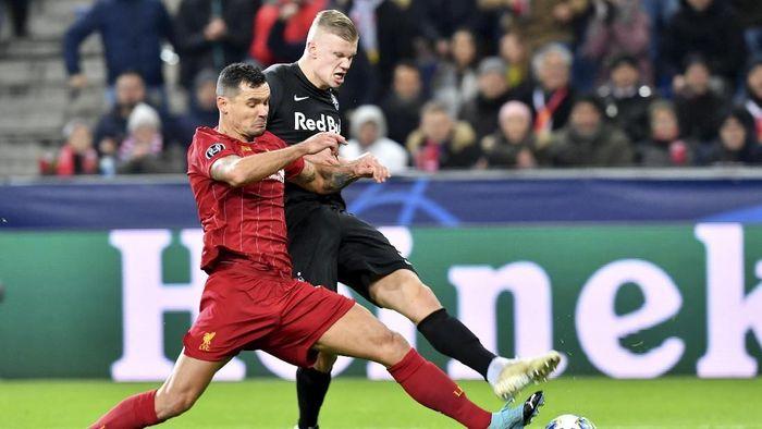 Dejan Lovren cedera lagi saat menghadapi Red Bull Salzburg (AP Photo/Kerstin Joensson)