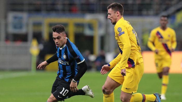Inter Milan tersingkir di fase grup Liga Champions usai dikalahkan Barcelona. (Foto: Emilio Andreoli / Getty Images)