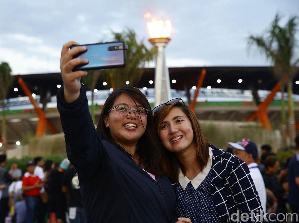 Antusias Warga Filipina Saksikan Penutupan SEA Games 2019