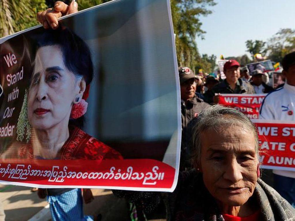 Bahas Rohingya, Suu Kyi Tiba di Pengadilan Internasional Den Haag