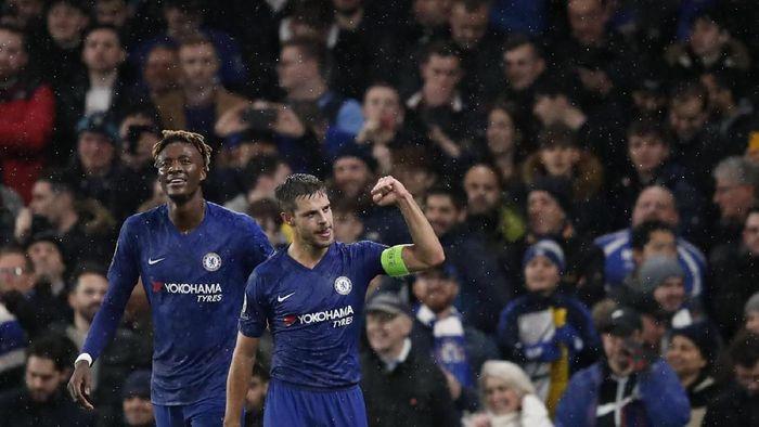 Chelsea siap belanja besar Januari nanti (Thanassis Stavrakis/AP Photo)