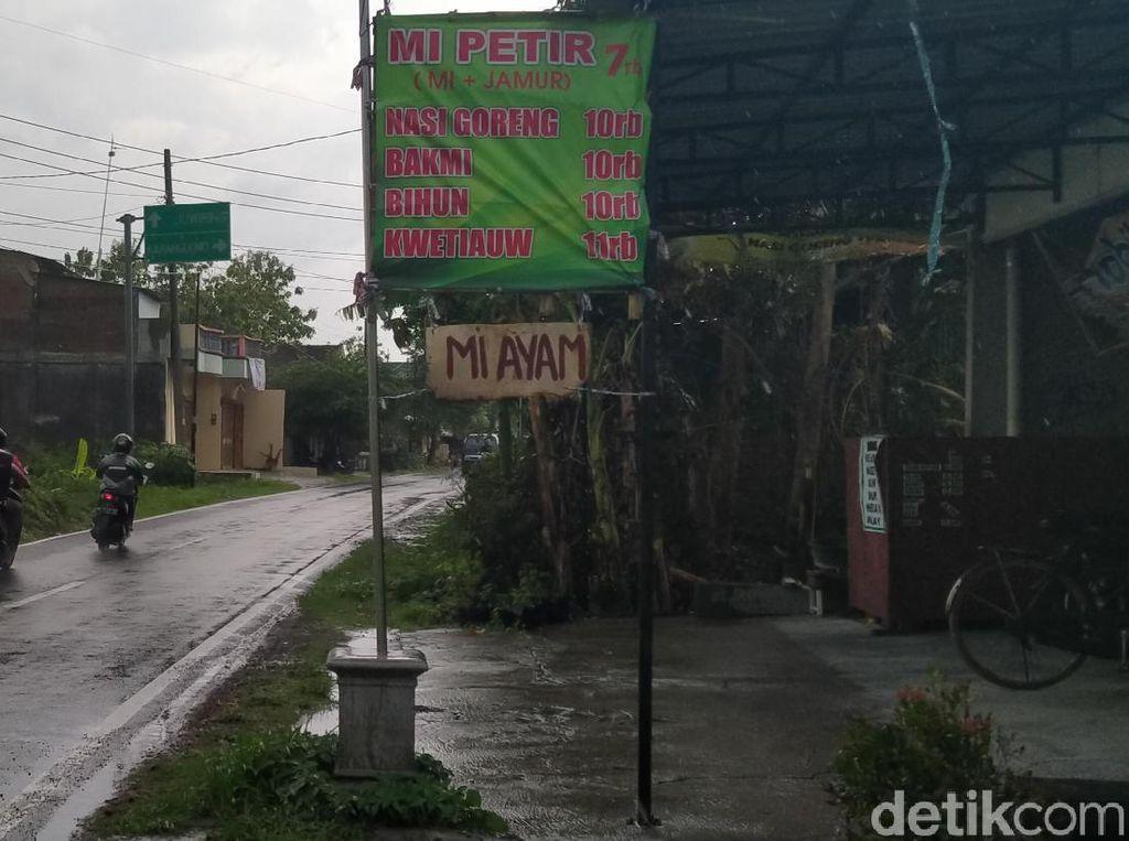 Usai Diteror Belasan Kobra, Warung Mi Ayam di Klaten Sudah Buka Lagi
