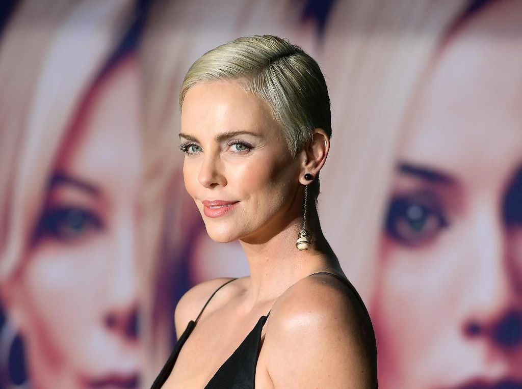 Charlize Theron Mengaku Alami Pelecehan Seksual oleh Sutradara Ternama