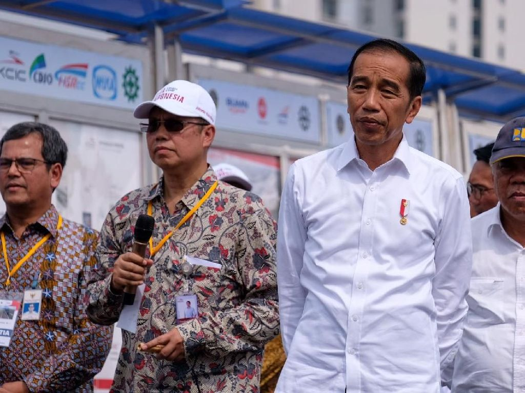 Jokowi Minta Anies Integrasi TransJ dengan LRT-Kereta Cepat di Halim