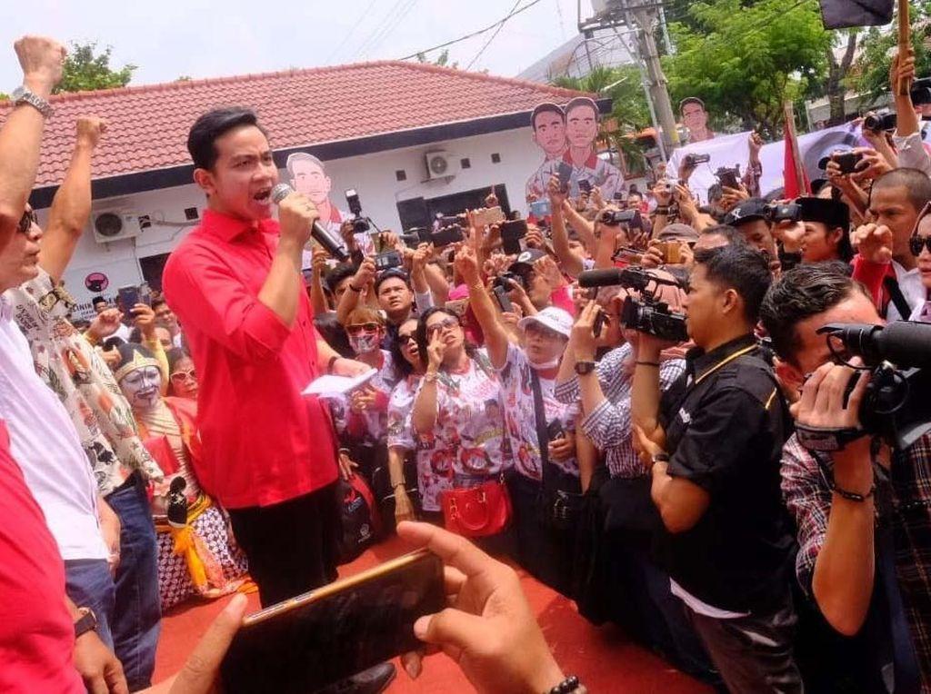 Momen Gibran Orasi dan Daftar ke DPD PDIP Jateng