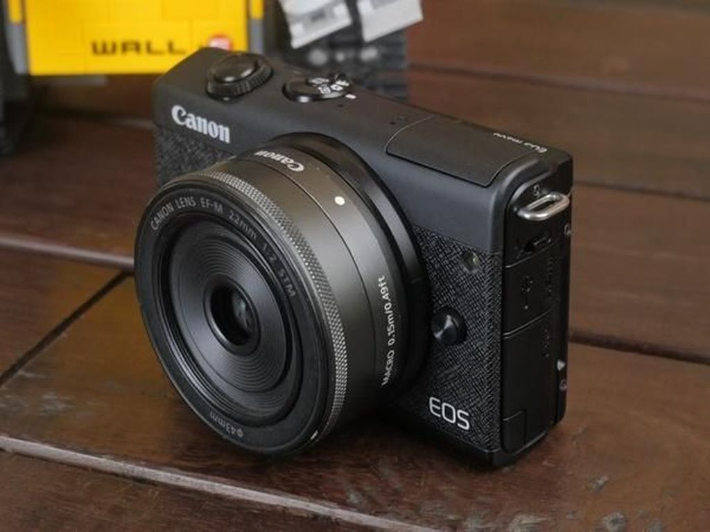 EOS M200, Mirrorless Entry Level Anyar Canon