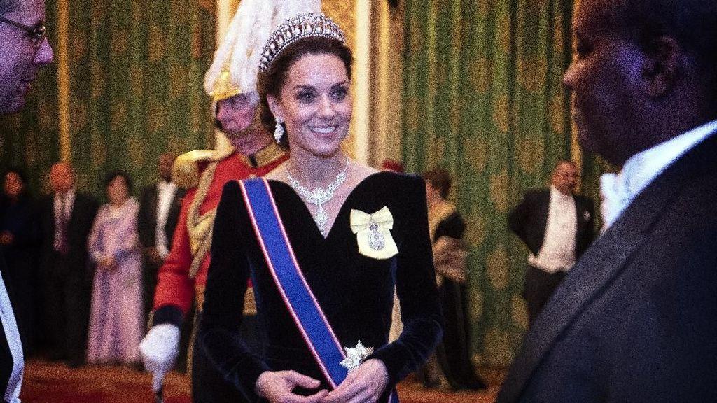 Kate Middleton Pakai Tiara Putri Diana Lagi, Aura Ratunya Terpancar