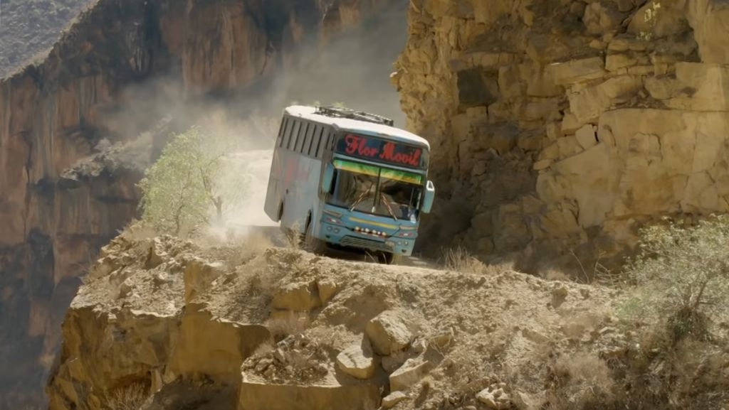 Foto: Rute Bus Paling Berbahaya di Dunia