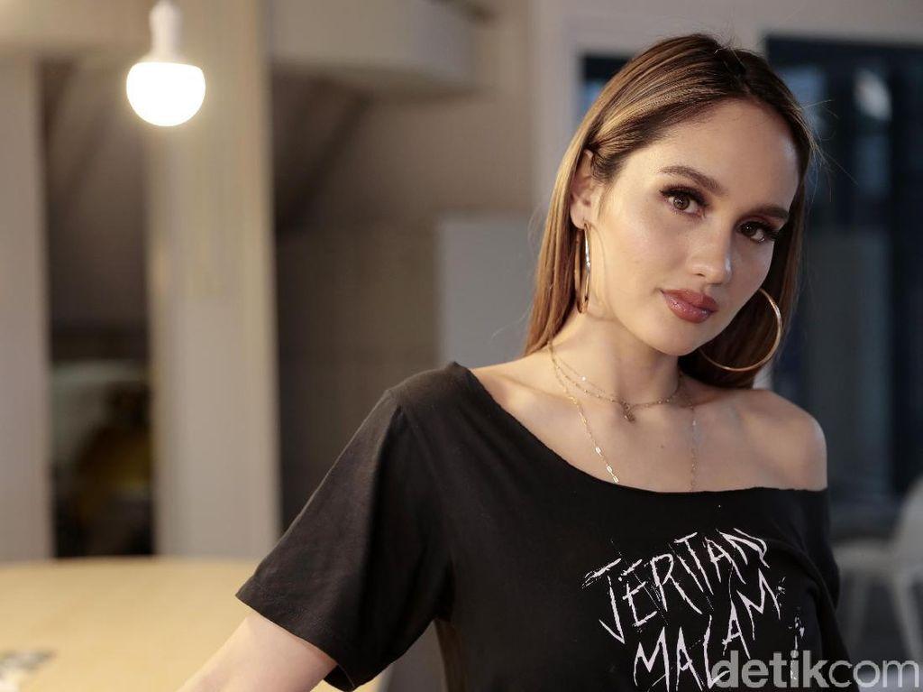 Cinta Laura tentang PJJ dan Sekolah Tatap Muka: Stop Being So Selfish