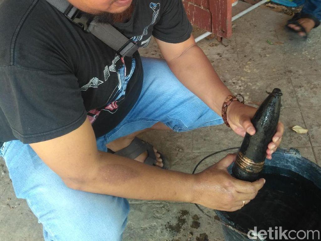 Sebuah Mortir Ditemukan di Situbondo Saat Bersih-bersih Saluran Irigasi