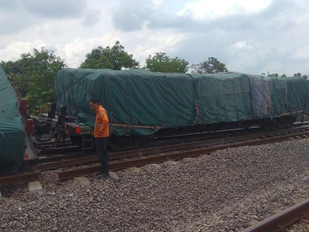 Sudah 8 Jam, Evakuasi KA Terguling di Blora Belum Rampung