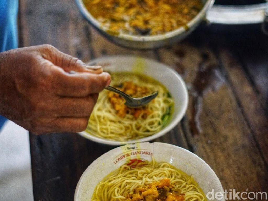 Viral Mie Ayam Rp 3.000 Semangkuk dan 3 Jam Ludes 200 Porsi