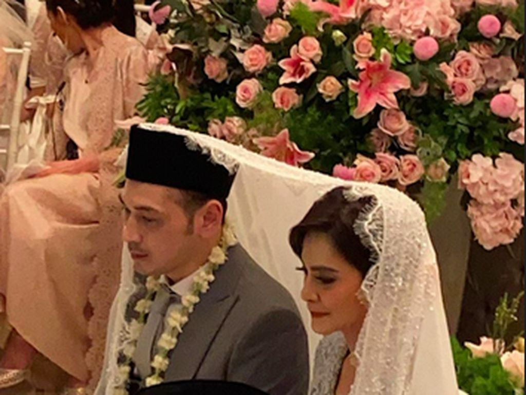 Ini Alasan Cut Tari Gelar Pernikahan yang Sederhana