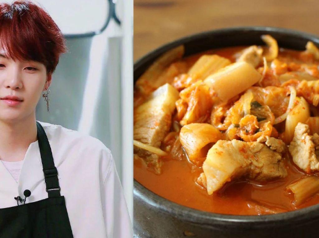 Slurrp! Suga BTS Bagikan Resep Bikin Kimchi Jjigae dan Kimchi Ramyun