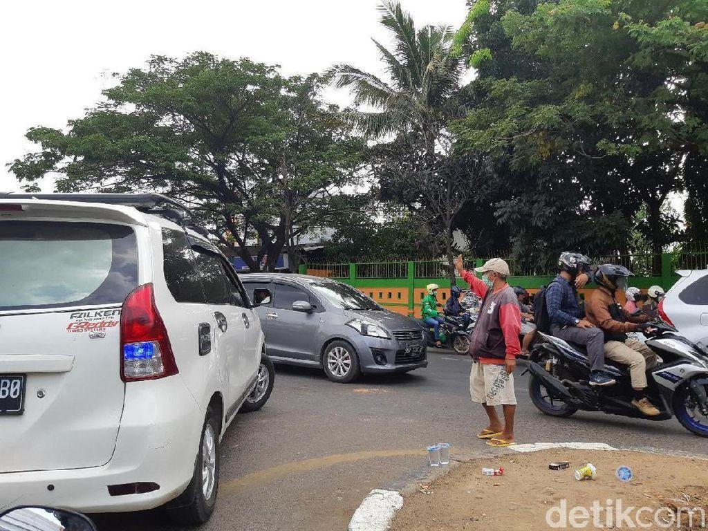 Pak Ogah Disebut Biang Macet, DPRD Sulsel: Perlu Dibina Atur Lalu Lintas