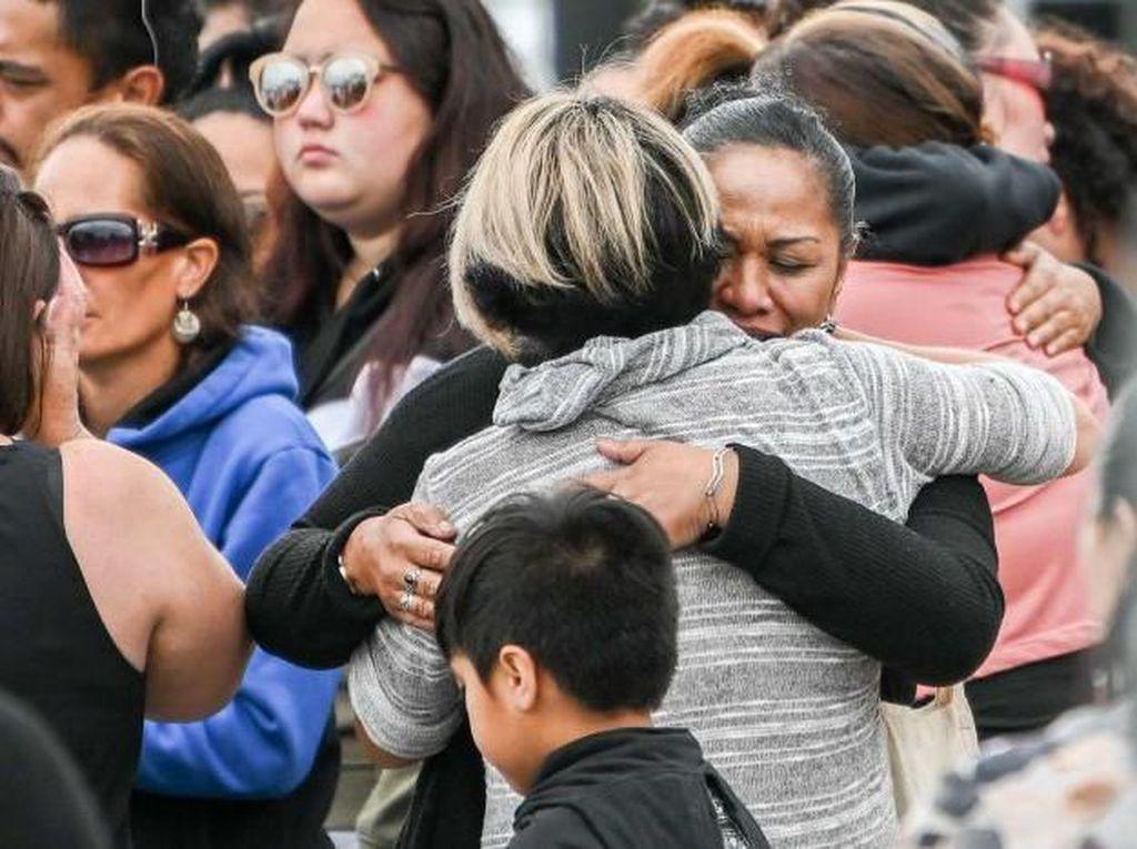 Korban Letusan Gunung White Island Selandia Baru Berhasil Dievakuasi