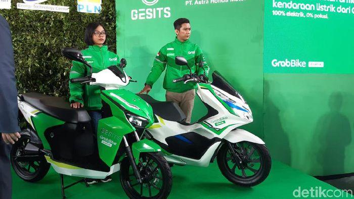 Foto: Mobil dan Motor Listrik Grab (Achmad Dwi Afriyadi/detikcom)