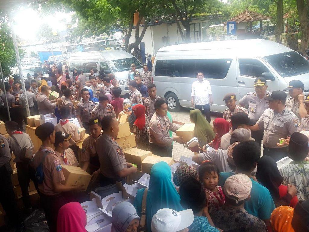 1.000 Warga Banjiri Bakti Sosial Baharkam di Sampang Madura