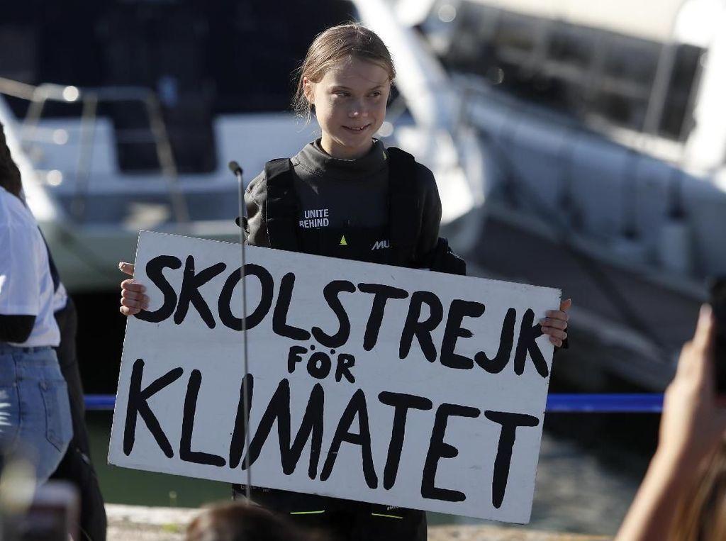 Aktivis Greta Thunberg Sindir Kaum Bumi Datar di Ultah ke-18