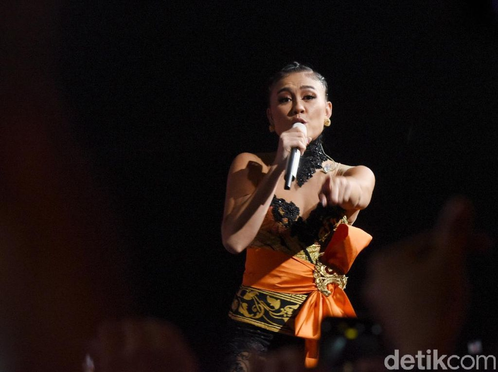 Agnez Mo Optimis Geser BTS di iHeartRadio Music Awards 2020
