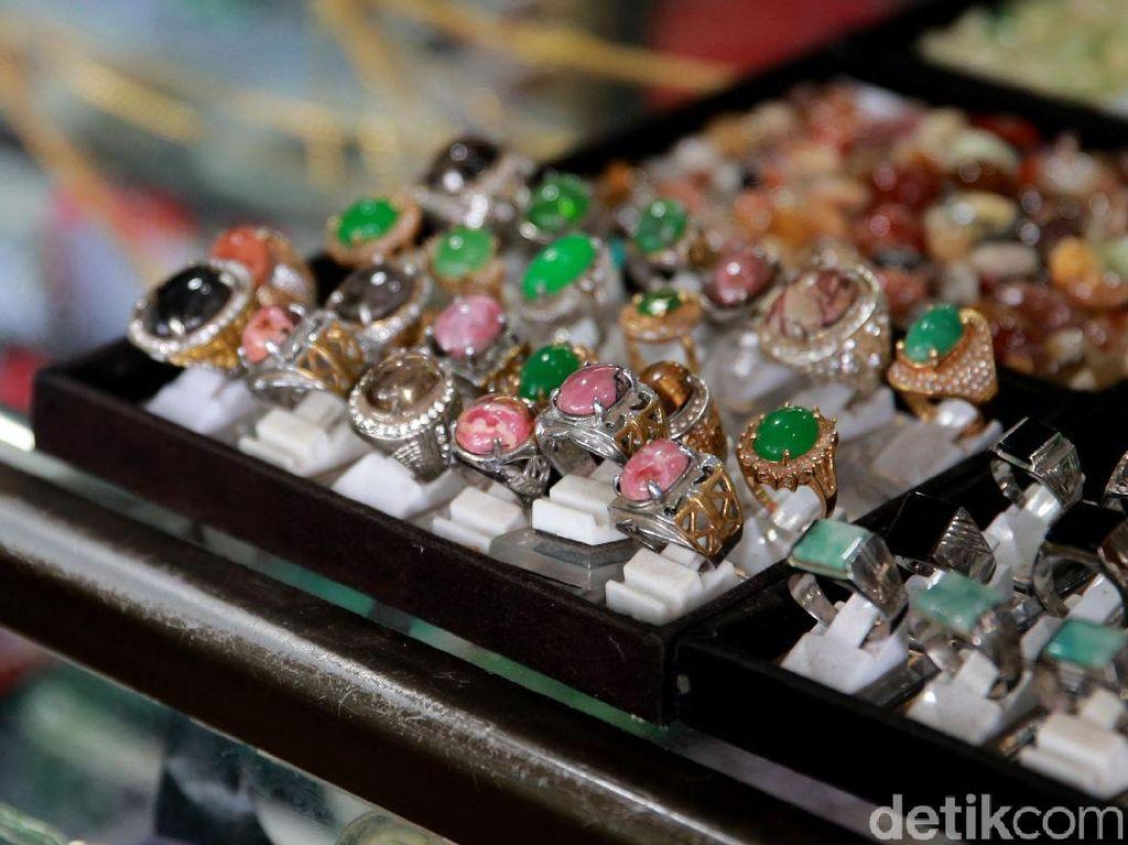 Jualan Online Sejak SMA, Penjual Batu Akik Ikut Berdayakan Masyarakat