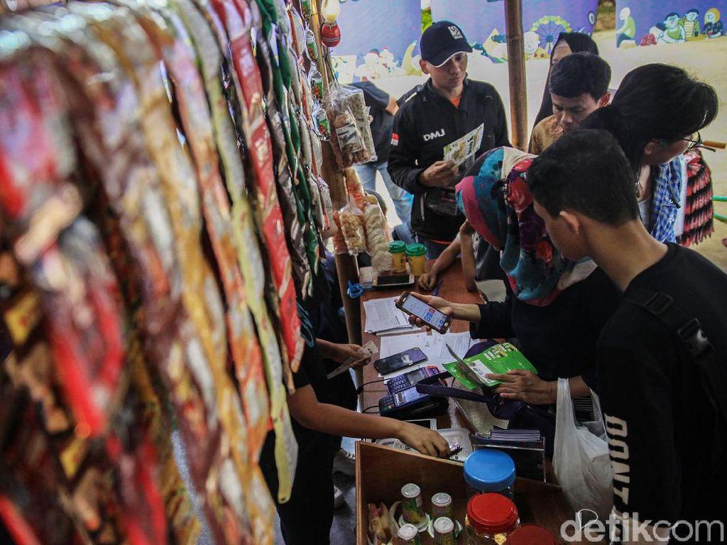 Menkop dan UKM Buka Festival Warung Nasional