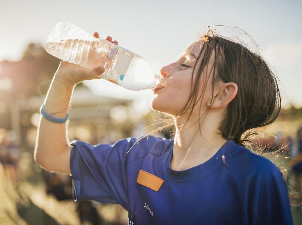 Sering Merasa Gagal Fokus? Kenali 5 Tanda Kamu Kurang Minum Air Putih