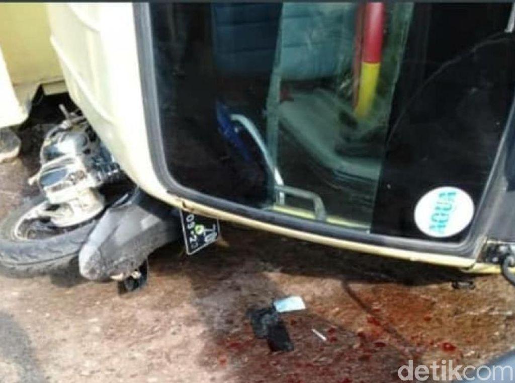 Tak Kuat Menanjak, Dump Truk Terguling Tewaskan Pemotor di Cianjur