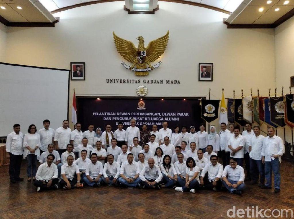 Ganjar Pranowo Lantik Pengurus dan Dewan Kagama 2019-2024