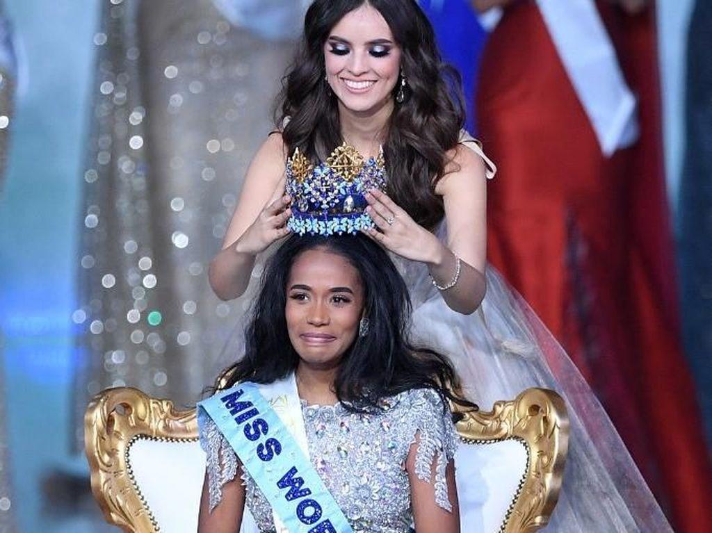 Potret Wajah Haru Toni-Ann Singh, Juara Miss World 2019