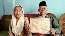 Menemui Kakek-Nenek yang Viral Gegara So Sweet Banget di KA Prameks