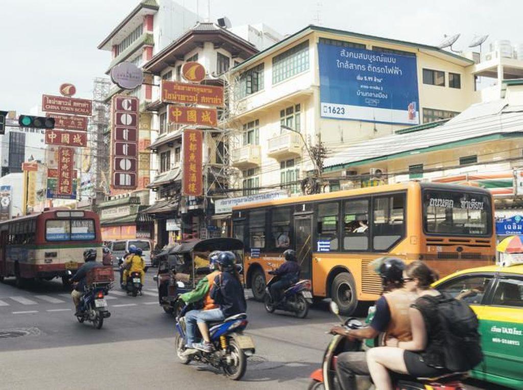 Mirip Indonesia, Thailand Mulai Bolehkan Restoran hingga Mal Dibuka