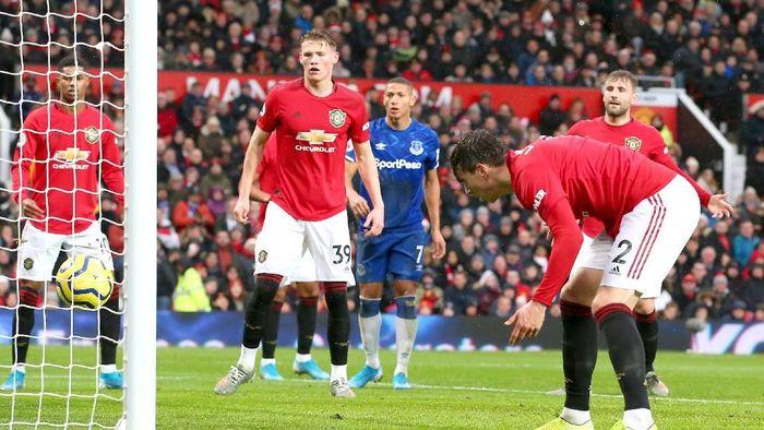 Manchester United tertinggal 0-1 dari Everton di babak pertama (Alex Livesey/Getty Images)