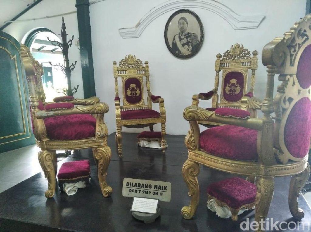 Meja Peninggalan Sultan HB VIII Dirusak Turis, Keraton Berlapang Hati