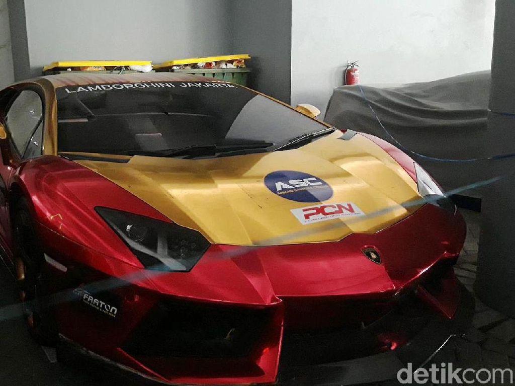 Dari Mana Asal Lamborghini yang Terbakar di Surabaya?