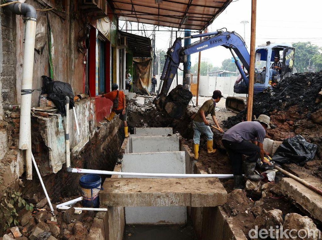 Perbaikan Saluran Air untuk Atasi Banjir di Rawamangun
