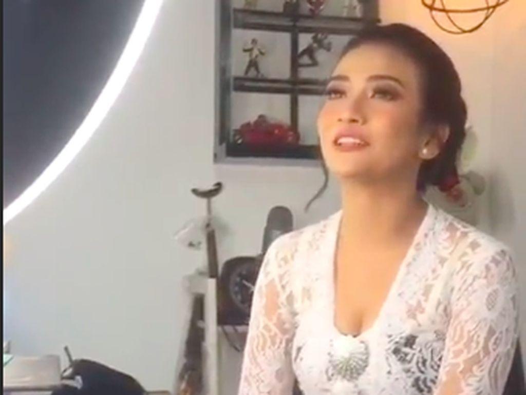 Ayah Ungkap Vanessa Angel Tak Minta Restu untuk Nikah
