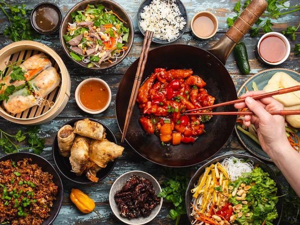Ternyata Ini Nih Alasan Restoran China Sering Tutup Hari Senin