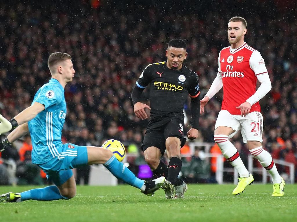 Bek-Bek Arsenal Tidak Tahu Mesti Berbuat Apa di Lapangan
